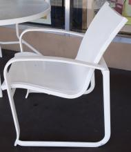chair_outside_side